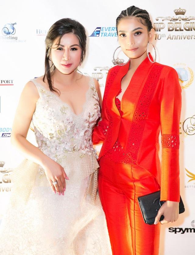 Mai Anh Trần, Trương Thị May hội ngộ nhiều ngôi sao thế giới tại Cannes - 1