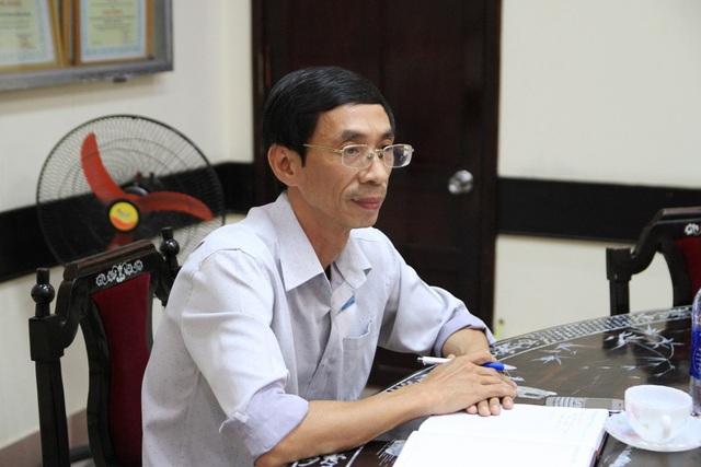 Ông Hoàng Trọng Chính, Phó Giám đốc BHXH tỉnh Thừa Thiên Huế khẳng định sẽ bảo vệ quyền lợi người lao động, tất cả những trường hợp chưa được đóng BHXH nếu thời gian tới Hội đồng quản trị trường đóng bảo hiểm thì vẫn sẽ được chấp nhận. Nếu vậy, khoảng thời gian 5 năm chưa được đóng sẽ được giải quyết trám khoảng trống cho giáo viên, nhân viên trường này