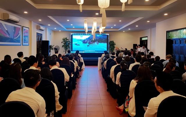 Ngành du lịch hai địa phương Quảng Bình và Quảng Nam giới thiệu với các công ty lữ hành về tiềm năng của du lịch hai địa phương