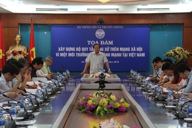 Bộ trưởng Trương Minh Tuấn phát biểu kết luận tại buổi Tọa đàm. Ảnh: Bộ TT&TT