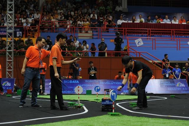 Chung kết Cuộc đua số diễn ra giữa 8 đội thi đến từ các trường đại học trên cả nước.