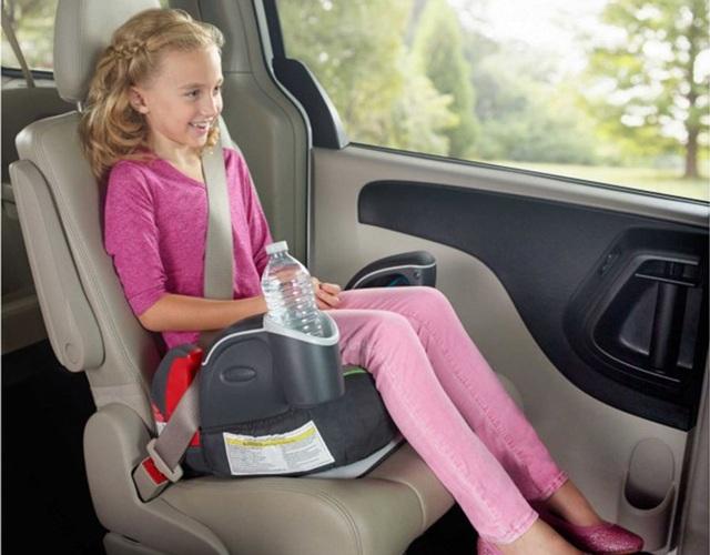 Khi nào không cần dùng ghế trẻ em trên ô tô nữa? - 1