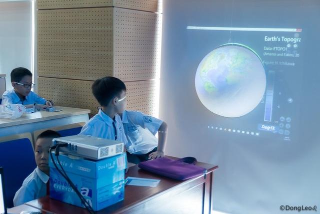 Khơi gợi và khích lệ niềm đam mê nghiên cứu khoa học cho học sinh - 4