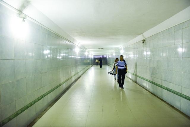 Gạch nền trong hầm đi bộ sẽ được giữ nguyên.