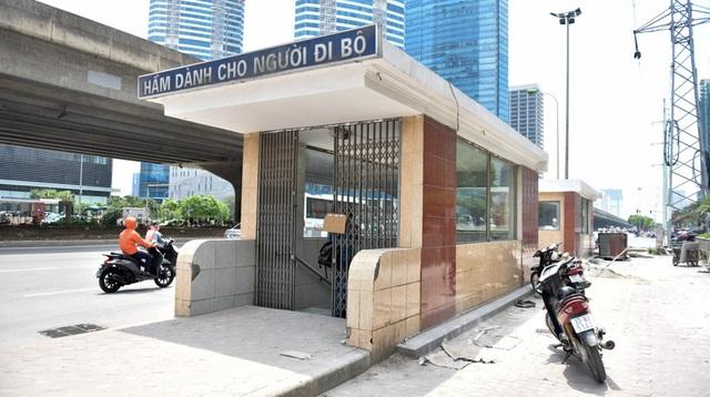 Theo đại diện của Công ty CP Công trình giao thông 2 Hà Nội, tổng diện tích đá lát lại khoảng 175 m2, chi phí gần 130 triệu đồng.