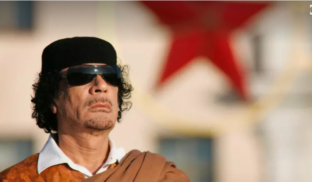 Cố lãnh đạo Gaddafi, người nắm quyền tại Libya hơn 40 năm trước khi bị lật đổ và sát hại (Ảnh: SMH)