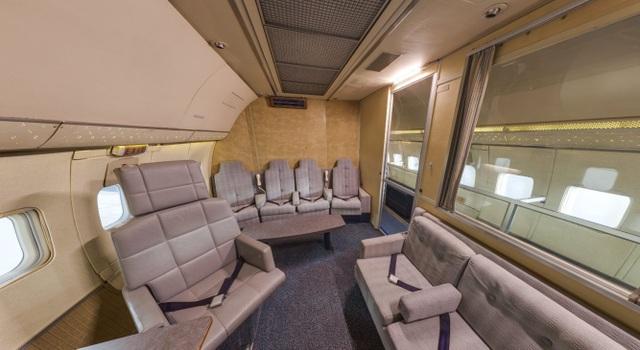 Nội thất một căn phòng trên máy bay.