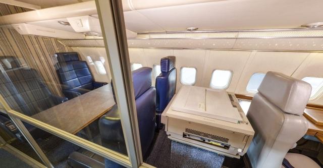 Sau năm 1990, SAM 26000 không còn nằm trong phi đội phục vụ tổng thống, nhưng nó vẫn được điều động để chuyên chở các quan chức cấp cao.