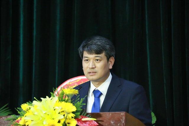 TS Trần Đình Phong -Trường Đại học Khoa học và Công nghệ Hà Nội, Viện Hàn lâm Khoa học và Công nghệ Việt Nam.