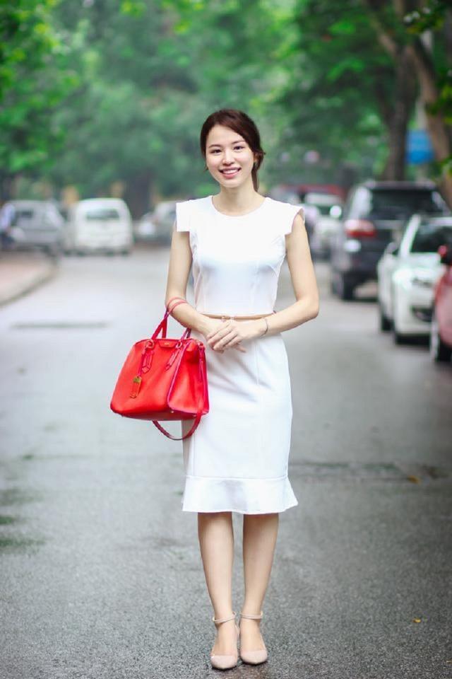 Cô giáo Trần Hồng Nhung, khoa Marketing, trường ĐH Kinh tế quốc dân, nhân vật được nhắc tới trong bài viết.