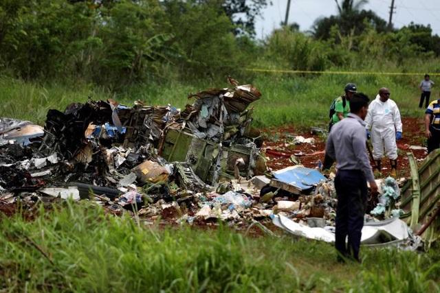 Hiện trường vụ rơi máy bay Cuba (Ảnh: Reuters)