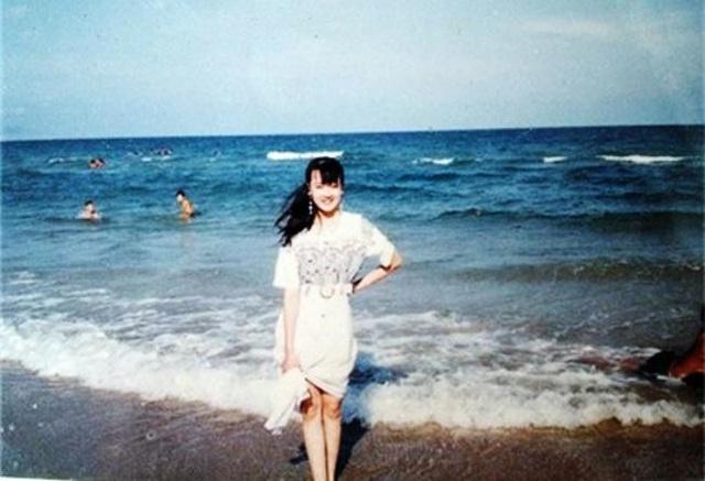 Loạt ảnh quá khứ xinh đẹp, sành điệu của Vân Dung năm 16 tuổi đi thi Hoa hậu - Ảnh 2.