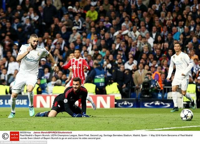 Sai lầm của thủ thành Ulreich đã giúp Benzema nâng tỷ số lên 2-1