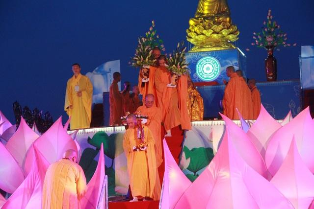 Giáo hội Phật giáo Việt Nam tỉnh Thừa Thiên Huế tiến hành các nghi lễ