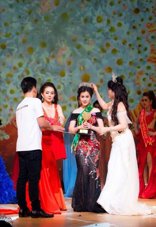 Ngô Thu Phương trong đêm đăng quang ngôi vị Á hậu 3 cuộc thi Hoa hậu Doanh nhân Hoàn vũ 2018 (Tổ chức tại Osaka - Nhật Bản ngày 16/4 vừa qua)