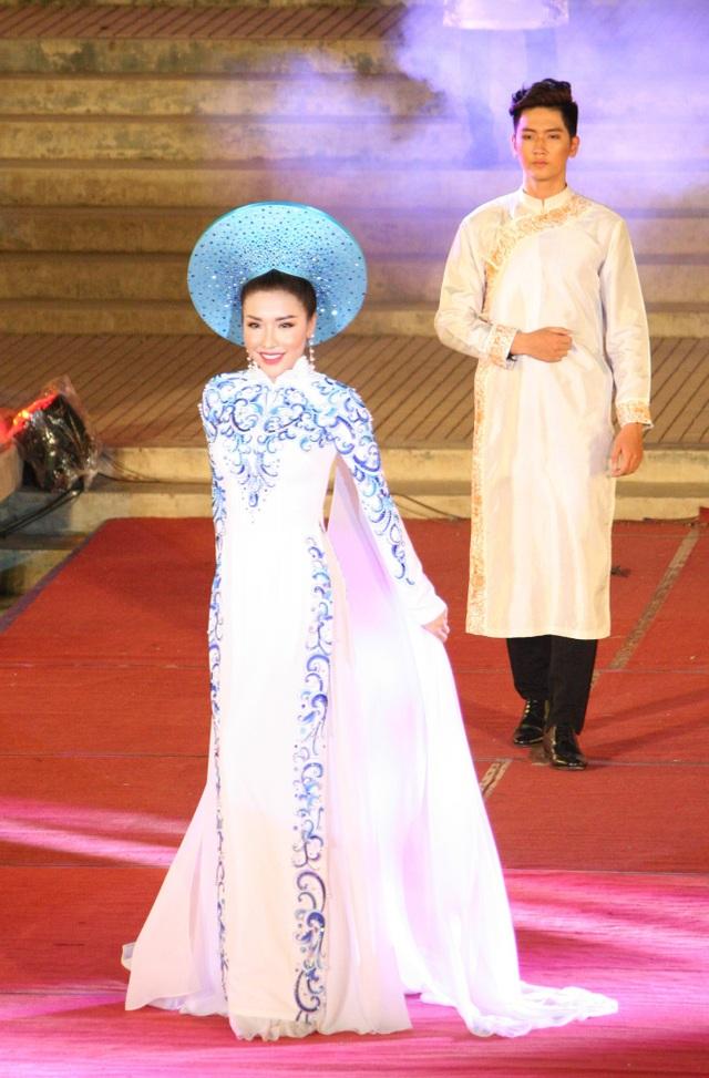 Á hậu 1 Hoa hậu biển 2016 Nguyễn Đình Khánh Phương trong bộ sưu tập của NTK Ngô Nhật Huy