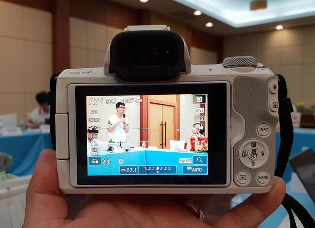 Canon chính thức ra mắt máy ảnh mirrorless có khả năng quay 4K - 3