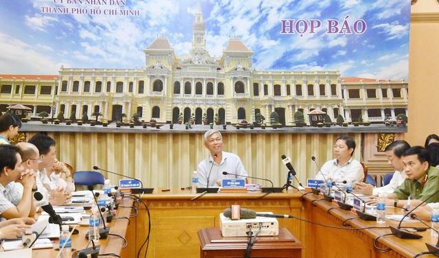 Chánh Văn phòng UBND TPHCM Võ Văn Hoan chủ trì buổi họp báo