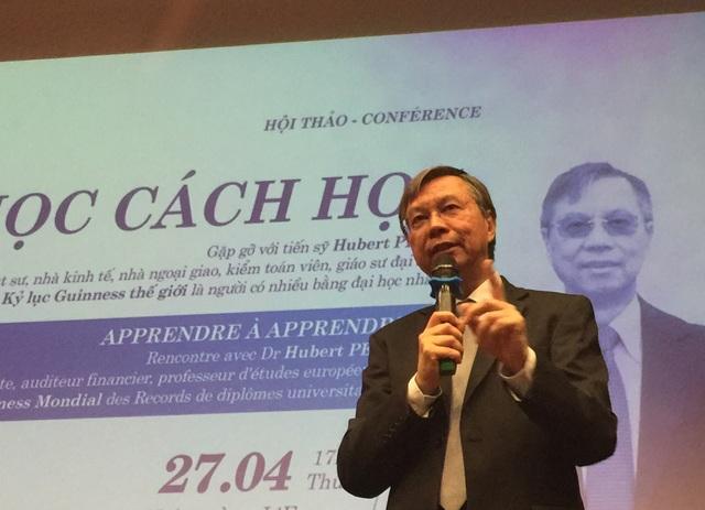 Bác sĩ, luật sư, nhà kinh tế học, nhà ngoại giao, kiểm toán viên, giáo sư Hubert Petit nhấn mạnh, ông luôn học cách lắng nghe bản thân và mọi người.