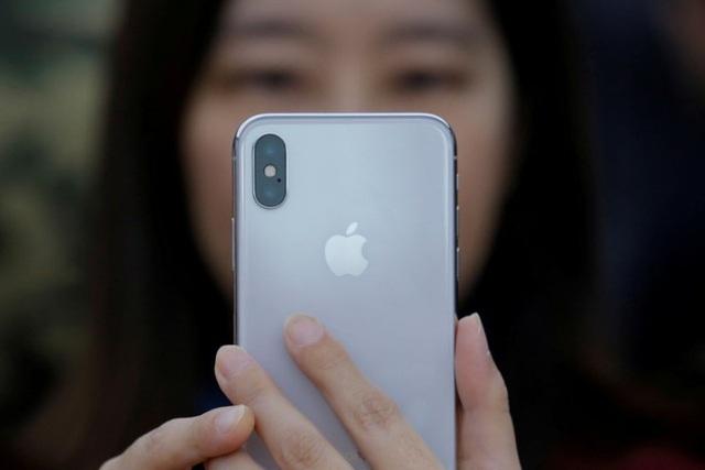 iPhone X là điện thoại được khách hàng mua nhiều nhất trong quý vừa qua.