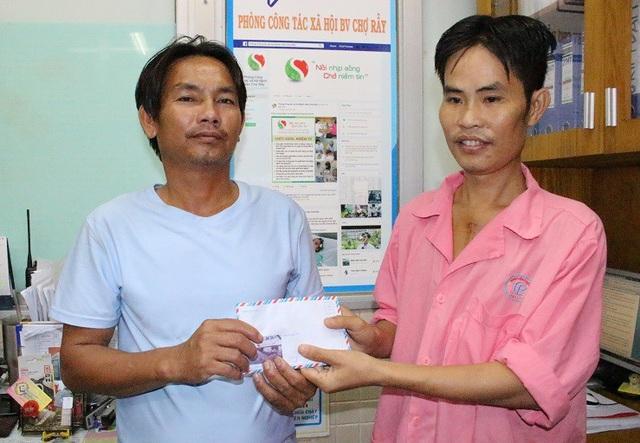 Anh Trang trích 25.000.000 đồng chia sẻ may mắn với người cùng cảnh ngộ