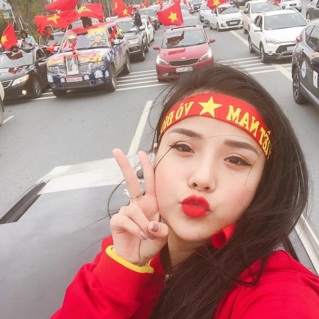 Cô gái xứ Nghệ xinh xắn, sở hữu giọng hát ngọt ngào, quyến rũ - 4