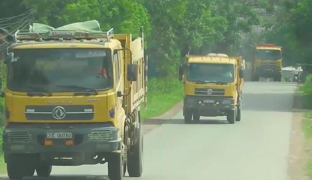 Bắc Giang: Đoàn xe cơi nới thùng rầm rập chạy qua mặt cảnh sát giao thông? - 6