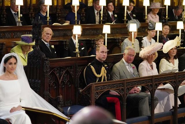 Hoàng tử William để trống ghế bên cạnh. (Ảnh: Getty)