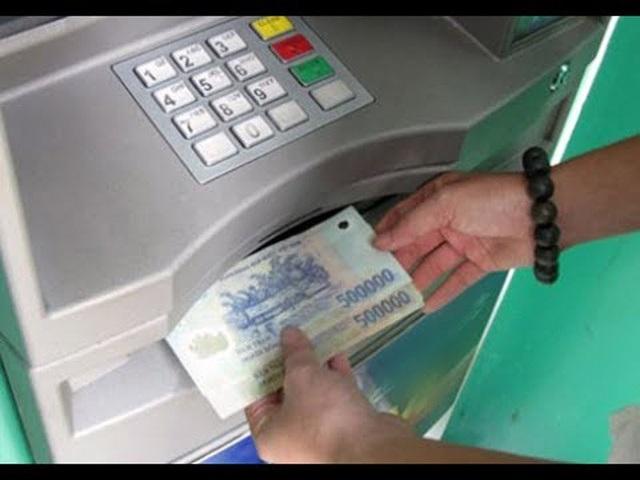 Mỗi lần rút tiền nên rút lượng tiền tối đa.