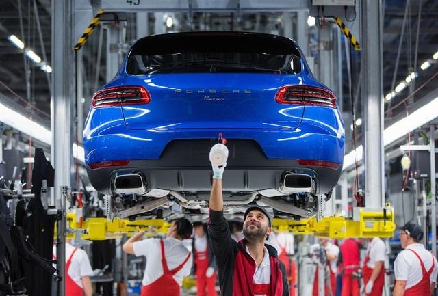 Hàng chục ngàn xe Porsche dùng phần mềm gian lận - 1