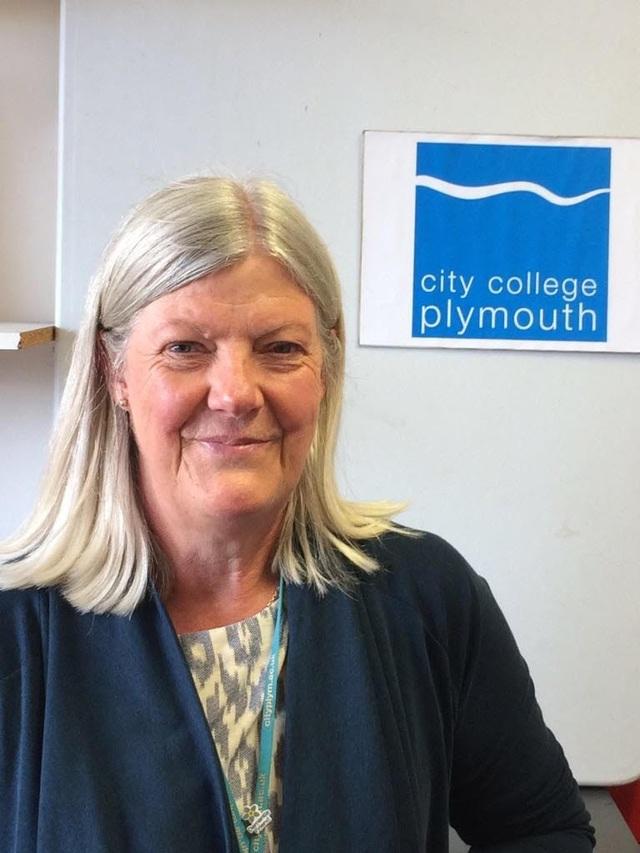 Bà Jessica Randall, giám đốc quốc tế của City College of Plymouth cho biết thêm nhà trường đã đầu tư một cơ sở chuyên về STEM trị giá 13 triệu bảng phục vụ cho công tác dạy và học.