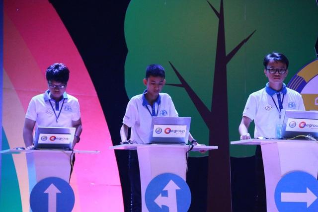 Thí sinh tham gia vòng chung kết