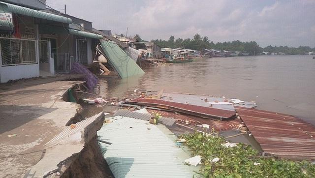 Hiện trường vụ sạt lở bờ sông làm 7 căn nhà ở ấp Thới Lợi, phường Thới An, quận Ô Môn, TP Cần Thơ mới đây.