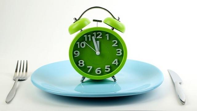 Nhịn ăn gián đoạn có thể là một chế độ ăn thông dụng, nhưng nó cũng có thể gây hại cho chuyển hóa.