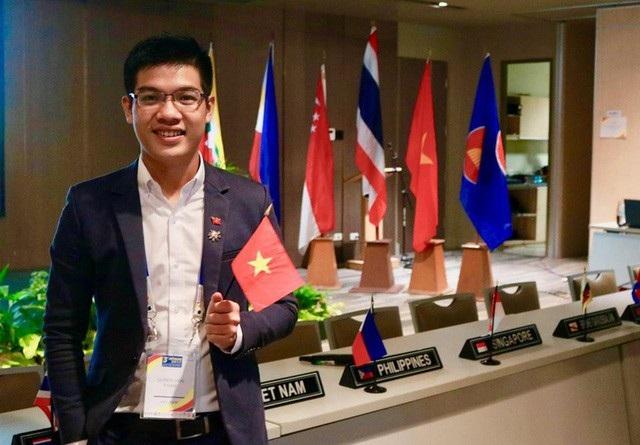 """Anh Phan Văn Quyền - sinh viên FPT Arena Multimedia - Quán quân Cuộc thi """"Nhà làm phim trẻ các nước ASEAN 2016"""" sẽ chia sẻ về bí quyết xác định đam mê và tự tin chinh phục ước mơ của mình."""