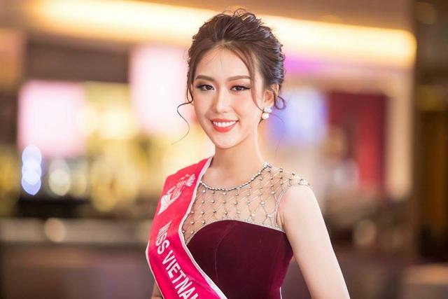 Jennifer Phạm, Kim Anh làm giám khảo thi hoa hậu - 7