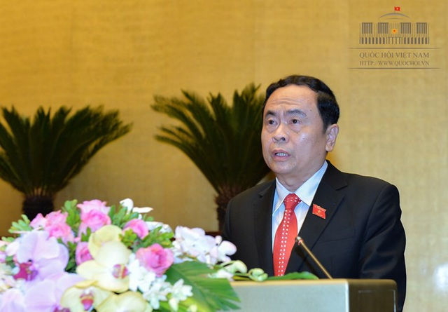 Chủ tịch Uỷ ban Trung ương MTTQ Việt Nam Trần Thanh Mẫn đọc báo cáo trước Quốc hội sáng 21/5 (Ảnh: Quochoi.vn).