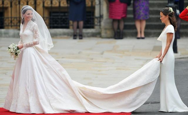 Váy cưới của công nương Kate