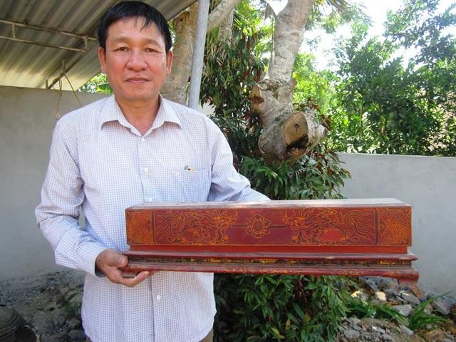 Sắc phong được bảo quản cẩn thận trong hòm sắc được sơn son thếp vàng có niên đại hơn 200 năm như là một báu vật của dòng họ Phan Văn.