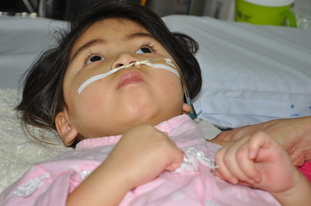Cô bé đã theo điều trị hơn 1 năm qua tại các bệnh viện.
