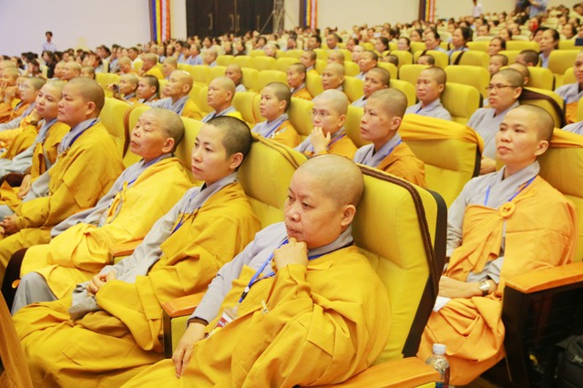 Linh thiêng lễ tắm Phật tại ngôi chùa lớn nhất Việt Nam - 3