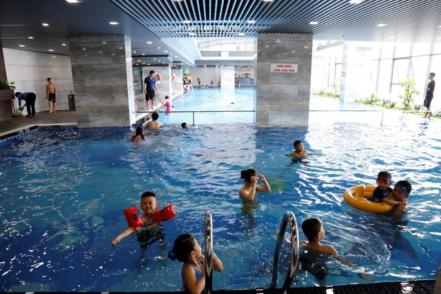 Bể bơi của Riverside Garden cũng đi vào hoạt động
