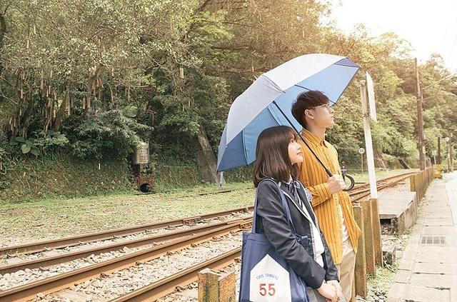 """Nữ sinh trường Báo vào vai """"bạn gái"""" ngọt ngào trong MV mới của Isaac - 7"""