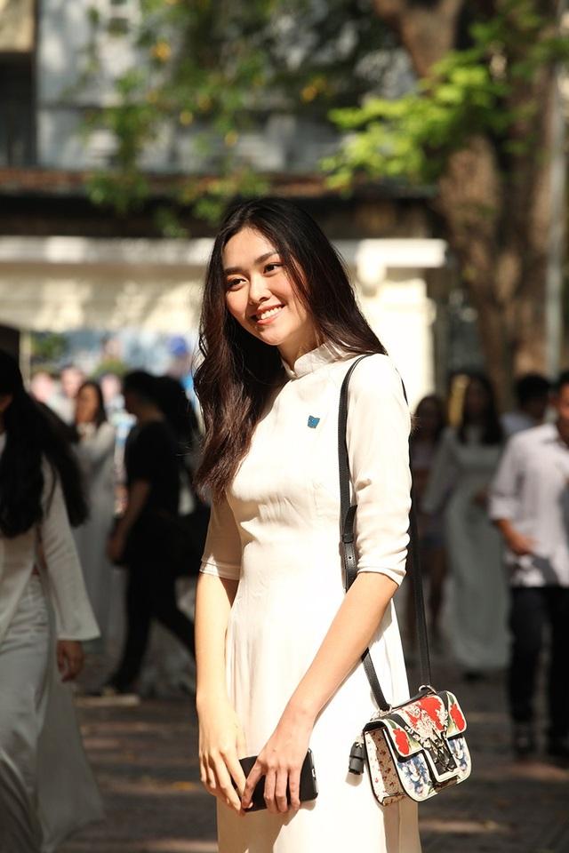 """10x trường Phan Đình Phùng đã có hơn một năm theo đuổi nghiệp mẫu và là """"con nhà nòi"""" khi có chị và mẹ đều làm trong ngành thời trang."""