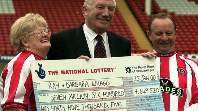 """Bà Barbara từng chia sẻ rằng vợ chồng bà """"rất hạnh phúc khi đem tiền đi làm từ thiện"""" bởi số tiền mà họ nhận được từ việc bà trúng xổ số là """"quá nhiều cho cuộc sống của hai người già""""."""