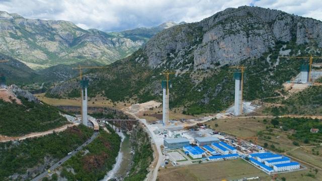 Dự án đường cao tốc Bar-Boljare ở Montenegro (Ảnh: Alamy)