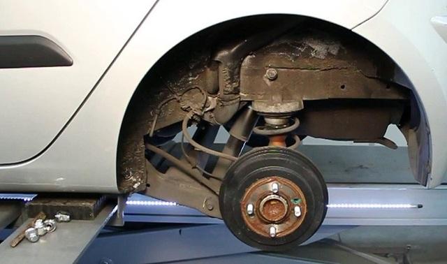 Hệ thống phanh tang trống sau trên xe Hyundai Grand i10
