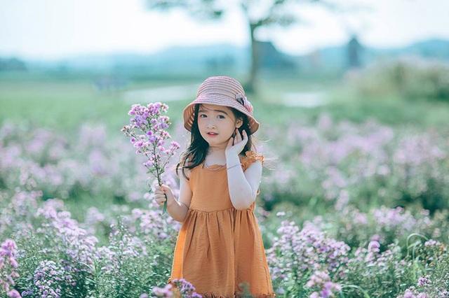 """Những hình ảnh """"không thể không yêu"""" với nét đáng yêu, xinh xắn như thiên thần của bé Minh Châu."""