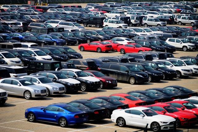 Dù đã giảm gần một nửa, nhưng thuế nhập khẩu ô tô của Trung Quốc vẫn khá cao so với Mỹ. (Ảnh: Getty)