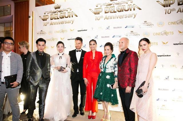 Fashionista Stella Chang nổi bật cùng dàn khách mời VIP của chương trình